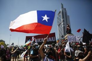 Manifestantes vuelven a las calles antes del referendo constitucional