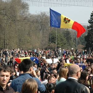Thousands protest against corruption in Chisinau
