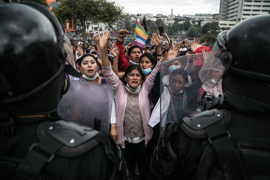 Mass protests in Ecuador: hundreds detained and thousands injured in ten days
