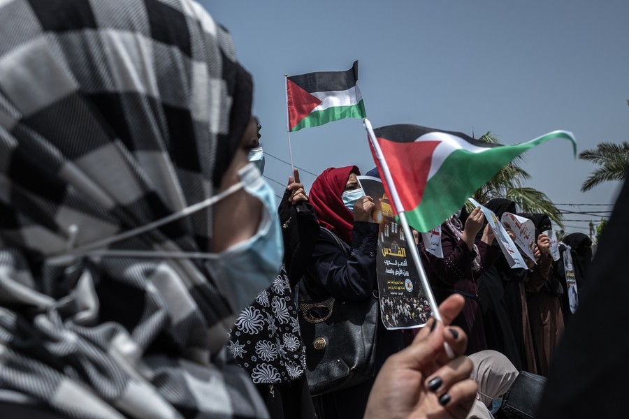 Journalists, protesters detained and killed; activists censored in Palestinian uprising