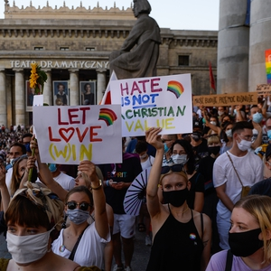 Crackdown on LGBTI rights continues; feminists protest over withdrawal from domestic violence treaty