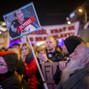 Citizens call for PM's resignation in anti-government protests; press freedom in decline