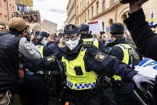 Anti-lockdown protest; Environmental defenders on trial