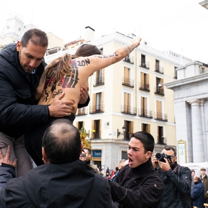 Femen protestors met with violence by pro-Franco supporters in Madrid