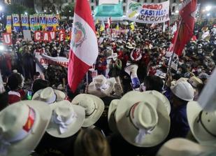 Polarización electoral suscita manifestaciones y agresiones contra periodistas