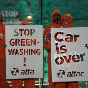 Detentions and excessive force used at climate related protests against gas &  the motor industry