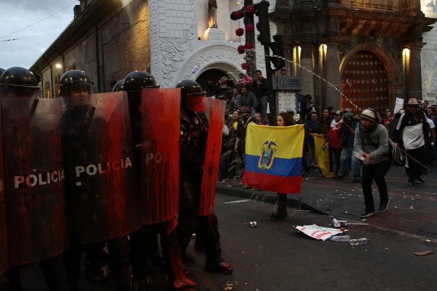Ecuador: represión de manifestaciones contra la austeridad
