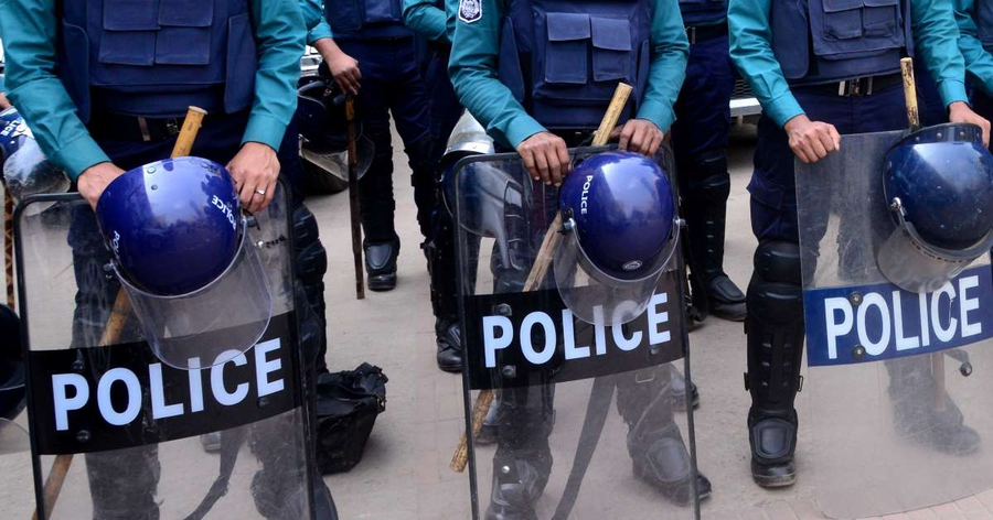 Artists, journalists and activists targeted in Bangladesh while protesters threatened and attacked