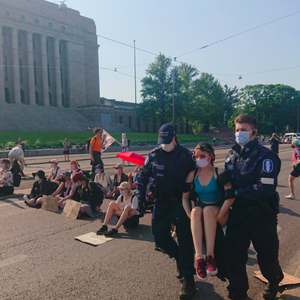 Police accused of mistreatment after climate activists arrested during protest