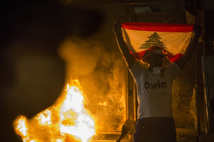 Calls for political accountability after Beirut explosion: protesters, journalists face violence