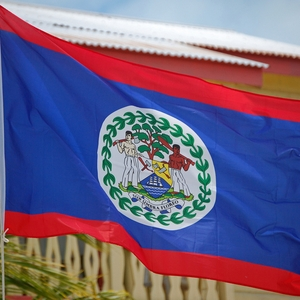 Belize: police officers prevent Love News from covering a protest and arrest reporter