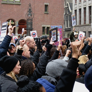 Nearly 200 arrested during protests over Zwarte Piet in the Netherlands
