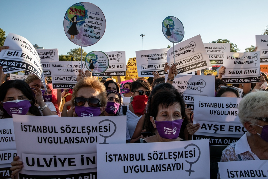 Protests over government plans to withdraw from Istanbul Convention