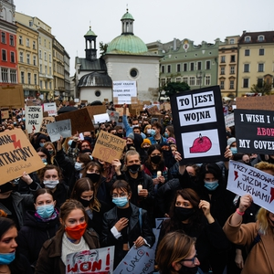 Thousands protest as Constitutional Tribunal imposes a near ban on abortion