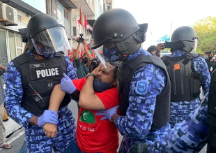 Despite UN review, Maldives authorities crack down on protests and target the media