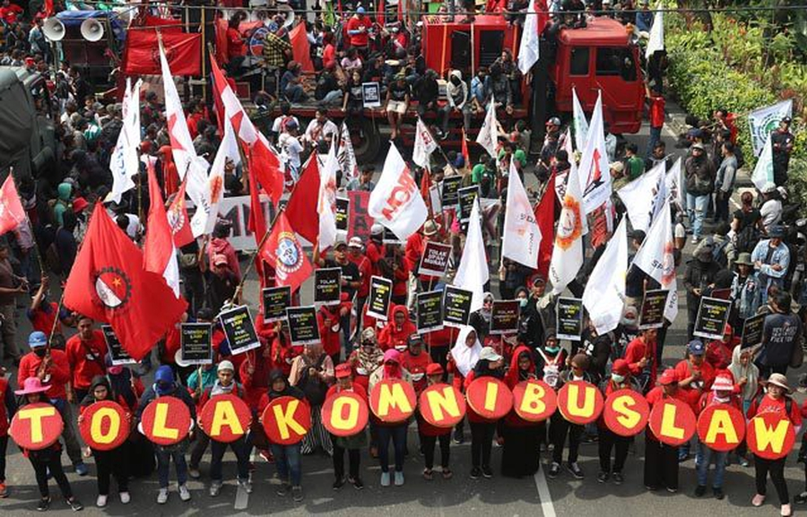 Protests in Indonesia against weakening of labour laws as activists and critics are silenced