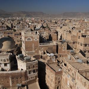 Armed gunmen abduct journalist as Yemen conflict rages on