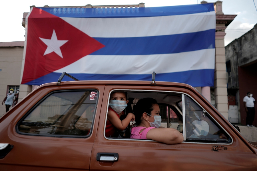 Cuban government backtracks on talks with protesters and uses COVID-19 regulations to harass critics
