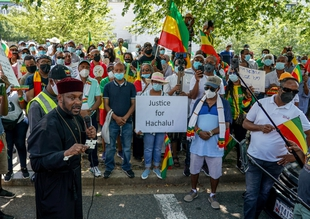 Arrests made in relation to killing of Oromo singer, key opposition figure faces terror charges