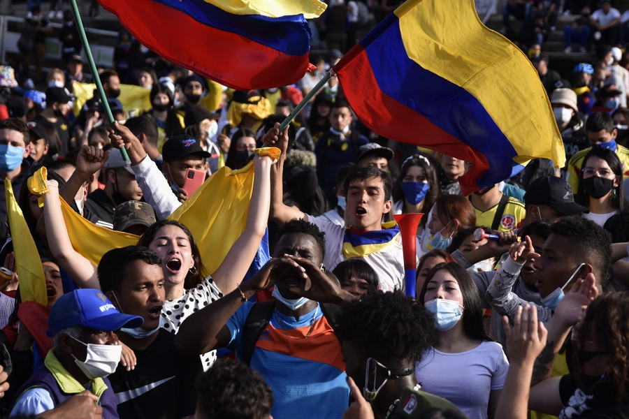 Protests against tax reform lead thousands to the streets in Colombia, face brutal police repression